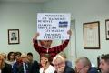 Andrzej Szwelicki protestowa� na sesji rady miasta - szkic
