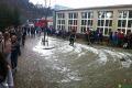 Ewakuacja młodzieży ze szkoły w Kadzidle (zdjęcia)